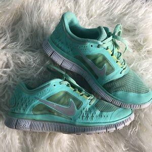 premium selection 395c0 3be41 Women's Nike Free Shoes | Poshmark